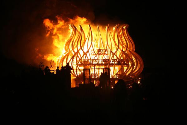 temple-burn
